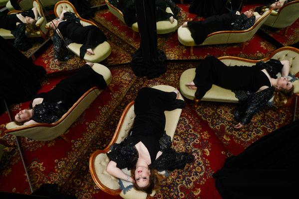 Victorian_Opera_2014_La_traviata_Jessica_Pratt_by_Martin_Philbey