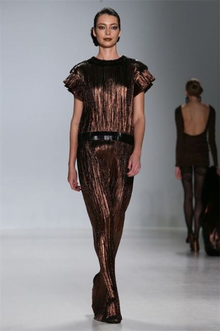 Zang Toi, Metallic bronze lame gown