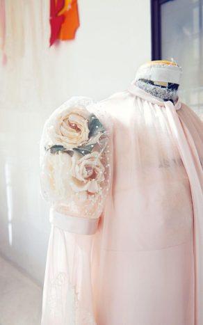rose-sleeve-for-violetta