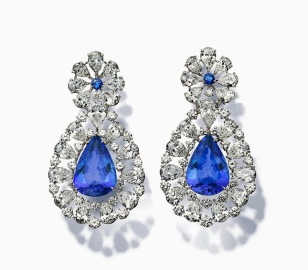Chopard, diamons and sapphire earrings